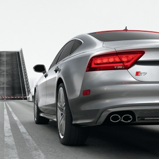Audi S7 - Drawbridge